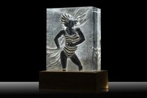 Arte e Luce LED attraverso Plexiglass - ARTELUX SCULTURA DONNA Image 0